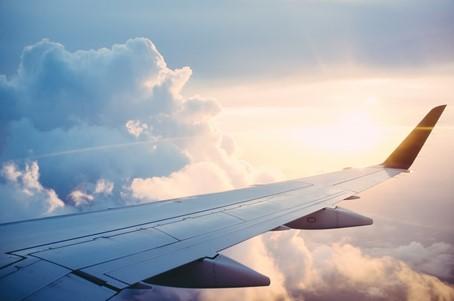 wiegje in het vliegtuig